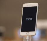 Chất liệu mặt kính iPhone 6 làm bằng gì?
