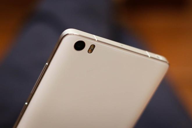 Xiaomi Mi Note Pro và iPhone 6 Plus