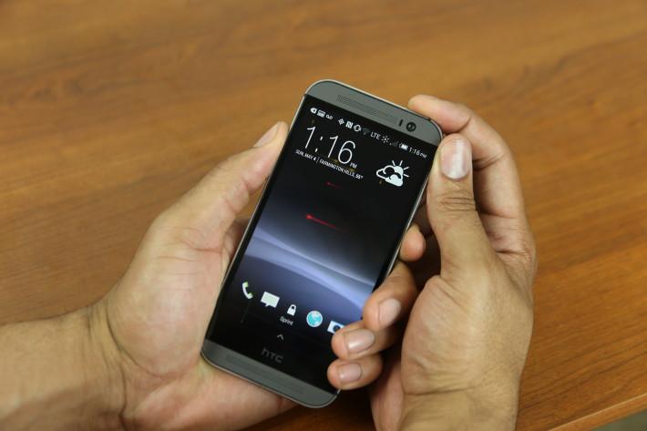 HTC One M8 bị sập nguồn