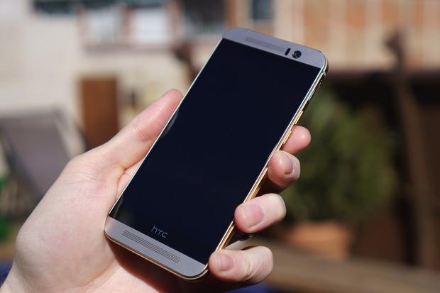 HTC One M9 bị treo logo